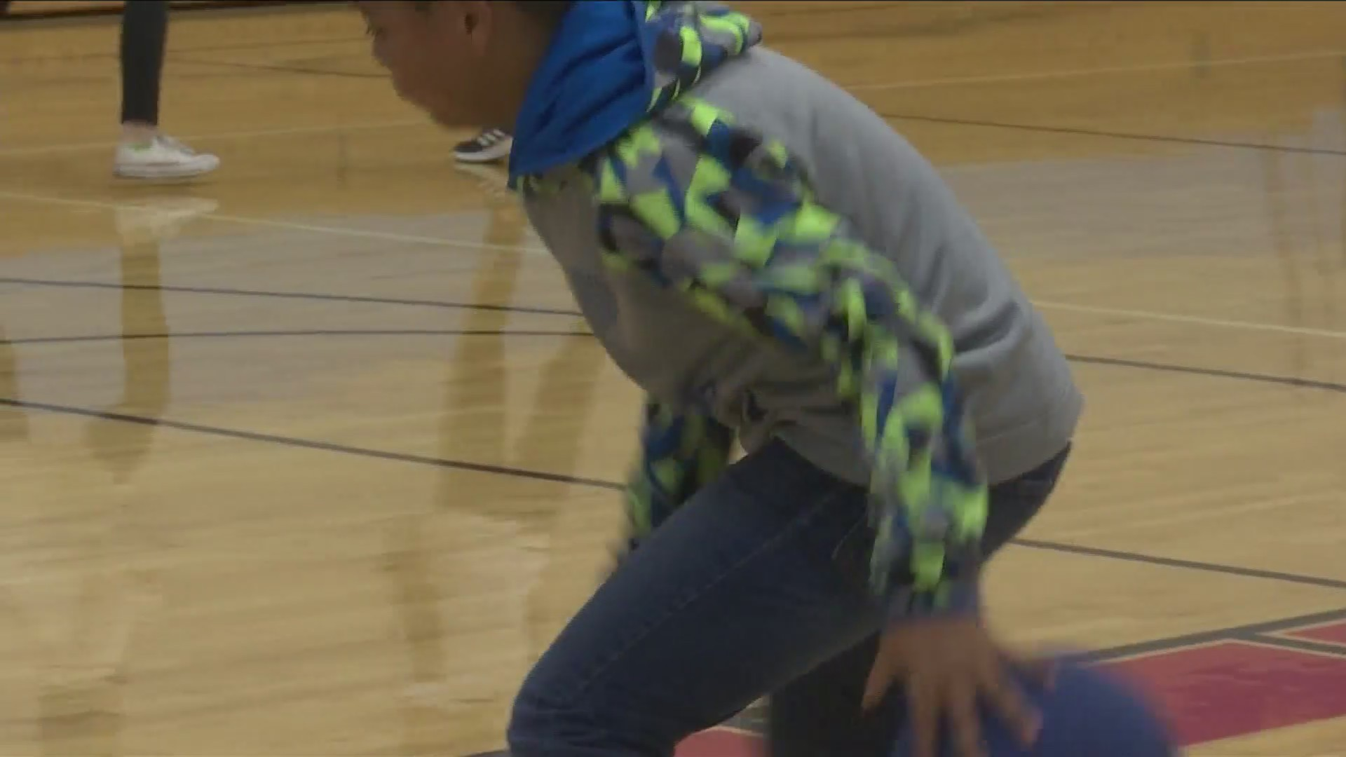 'Sweetwater Madness' piques students' interest in basketball