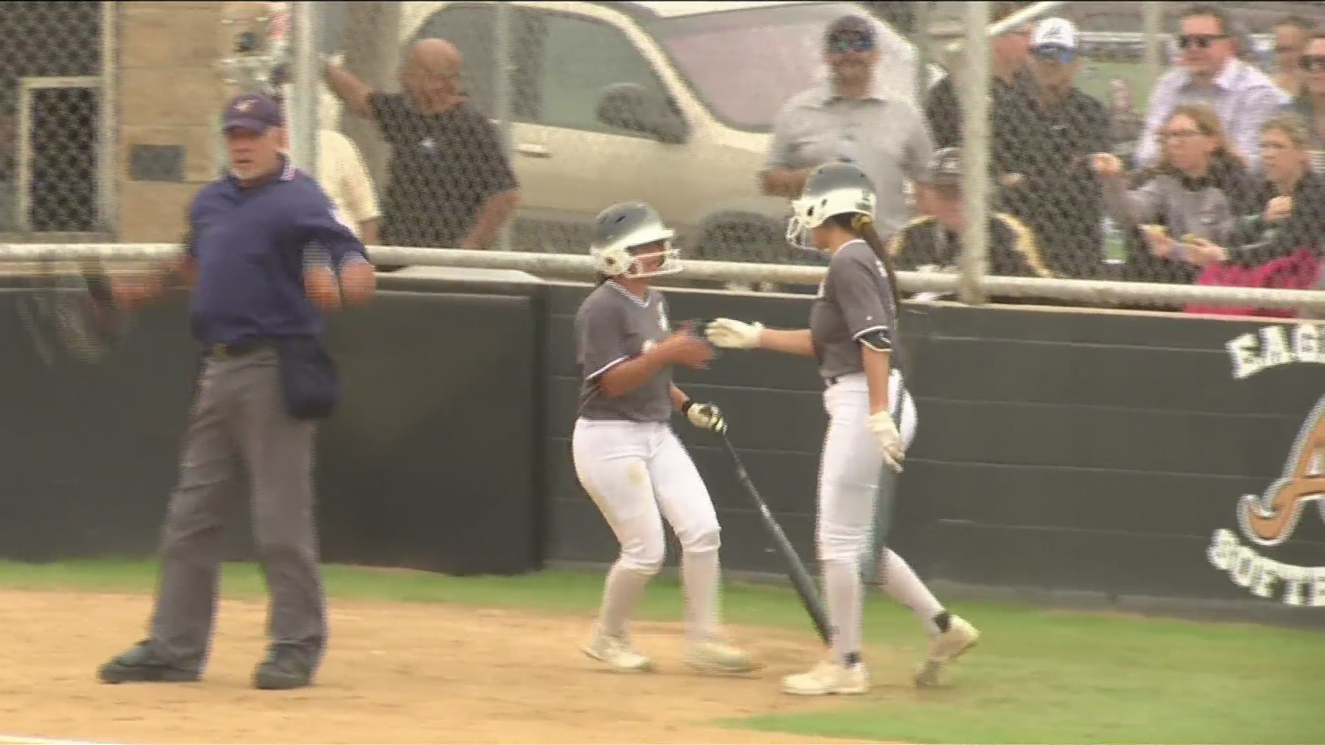 Softball highlights and scores from April 16
