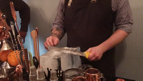 bar sazerac cutting ice