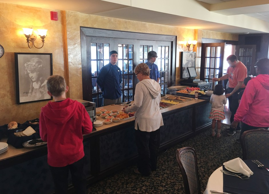 fern resort breakfast buffet