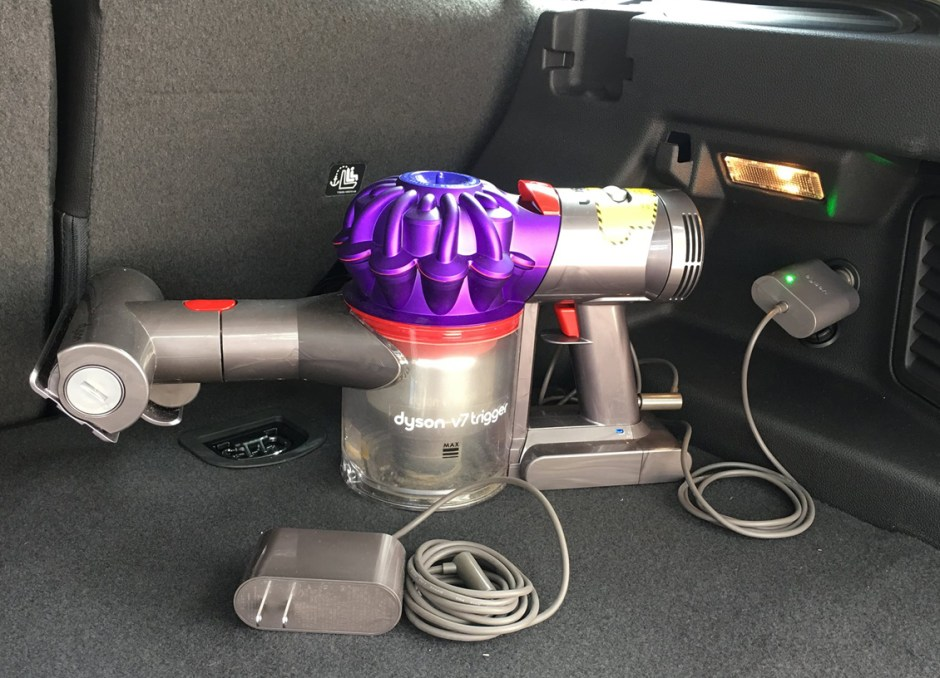 Dyson V7 Car+Boat car and home charger
