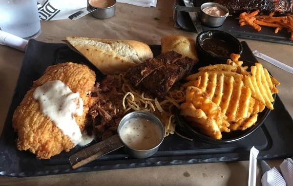 montanas barnyard platter