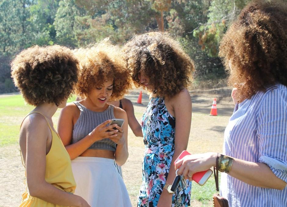 cell phone etiquette friends