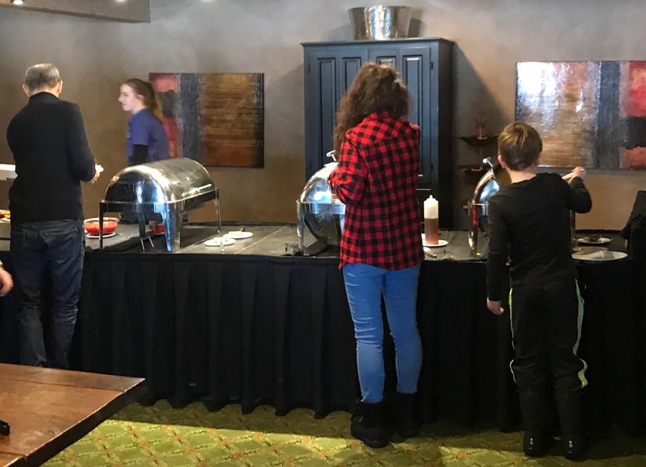 Dining Lounge breakfast buffet