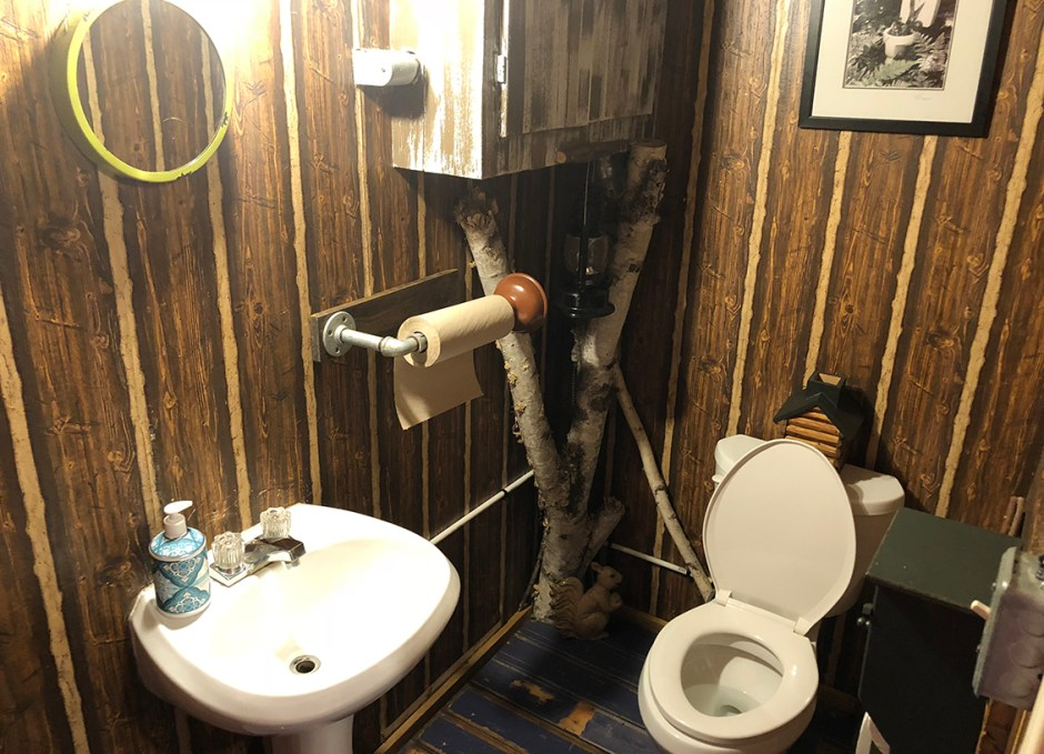 R Cottage mens outhouse