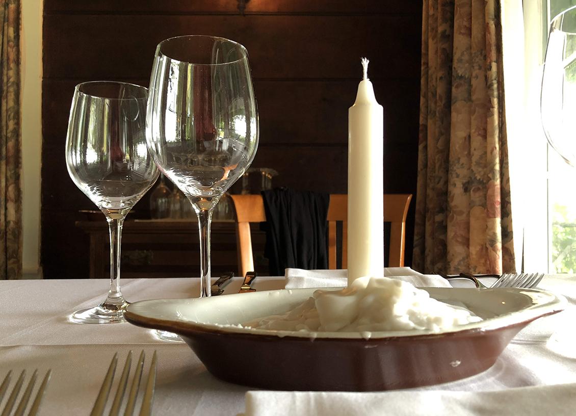 viamede mount julian table setting