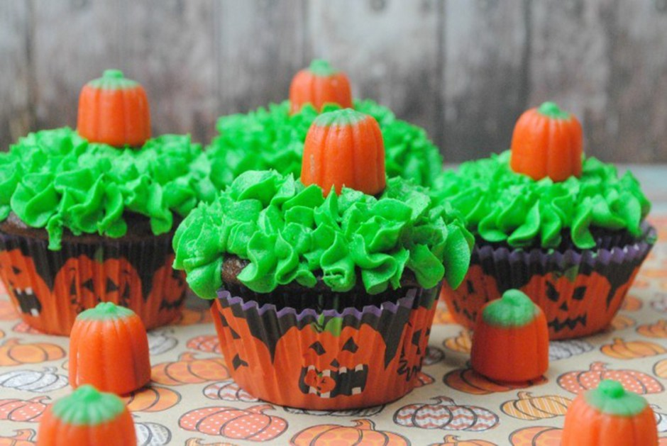 08 Pumpkin patch cupcakes Halloween Treats 2018