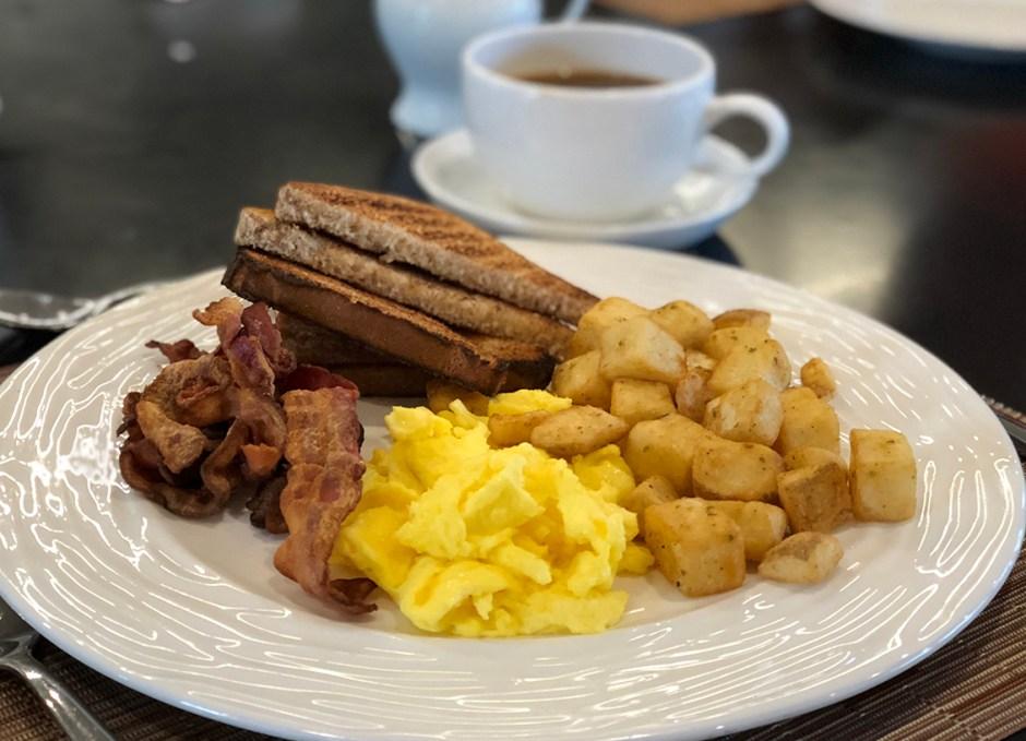 lighthouse 45 canadian breakfast