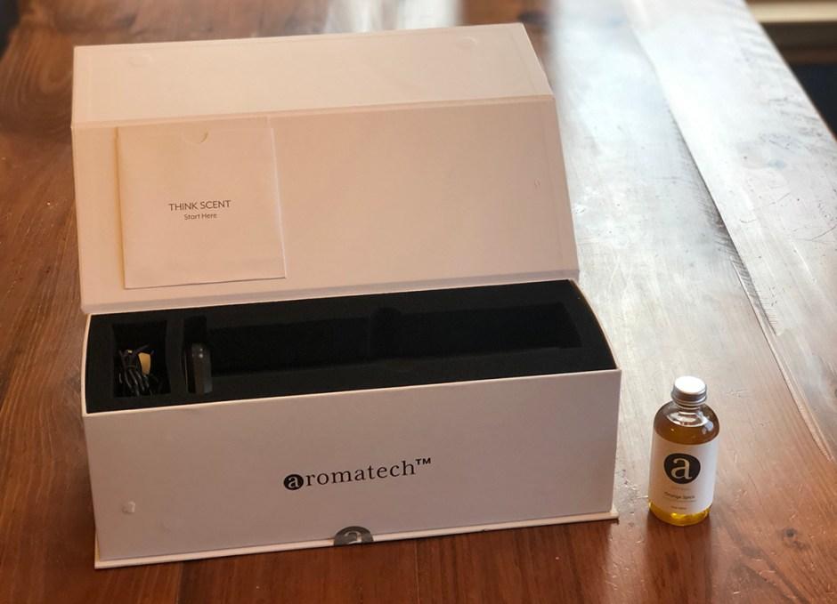 AroMini BT box open