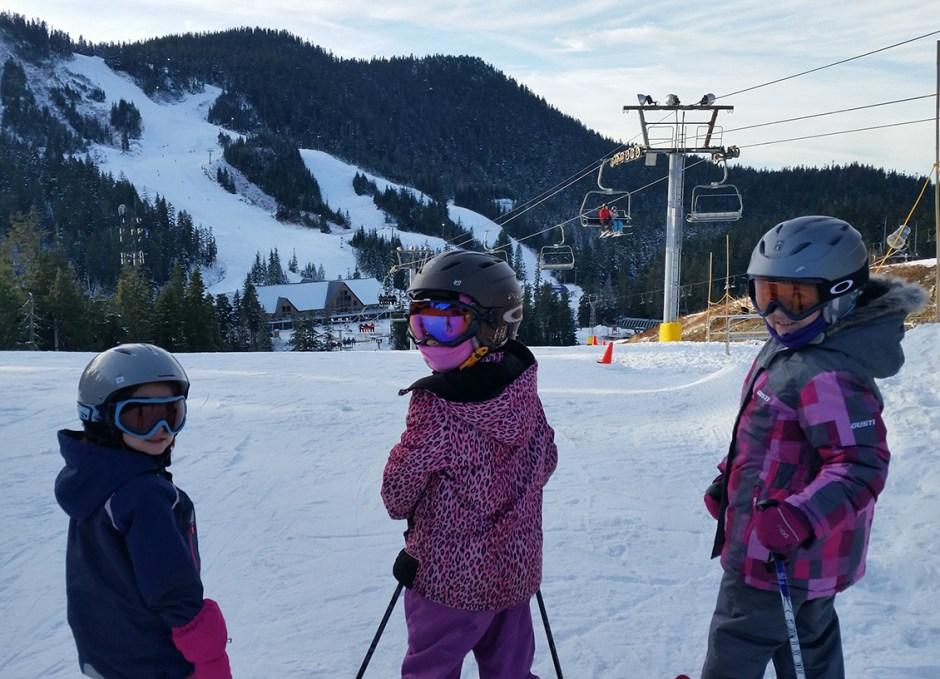 bonnie way kids skiing