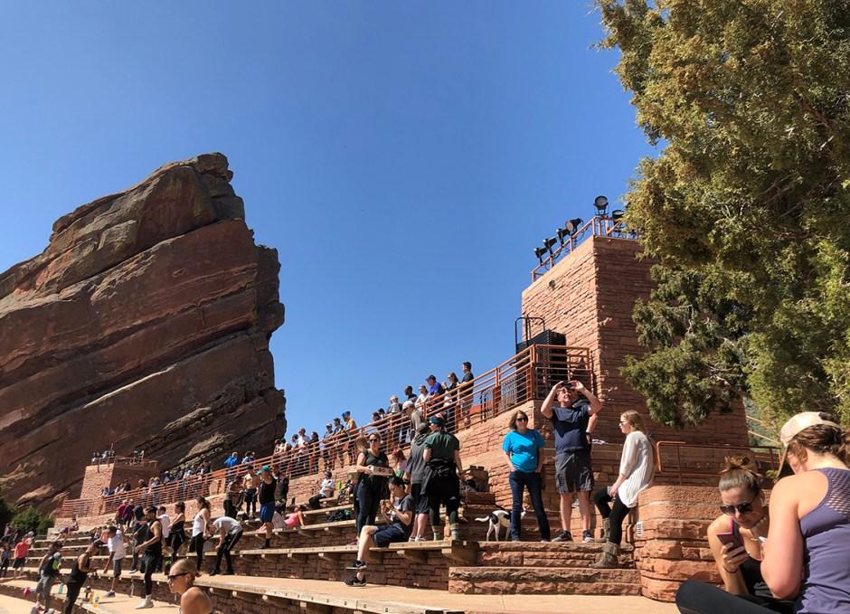 red rocks tourists