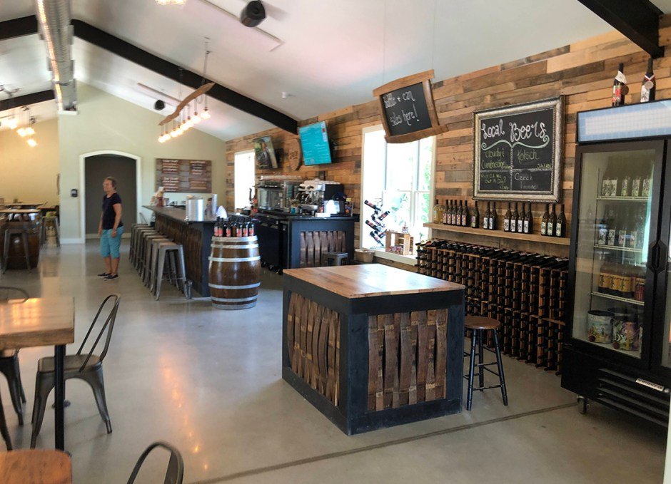 paradocx vineyard tasting room bar