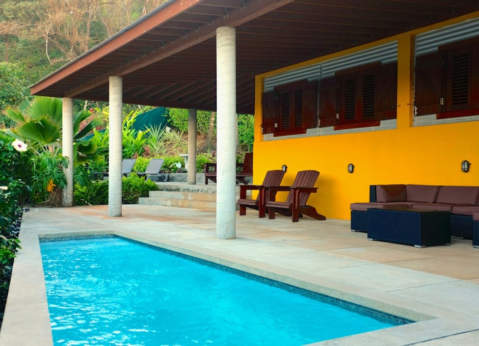 Pagua Bay House Suite 5 outdoor terrace