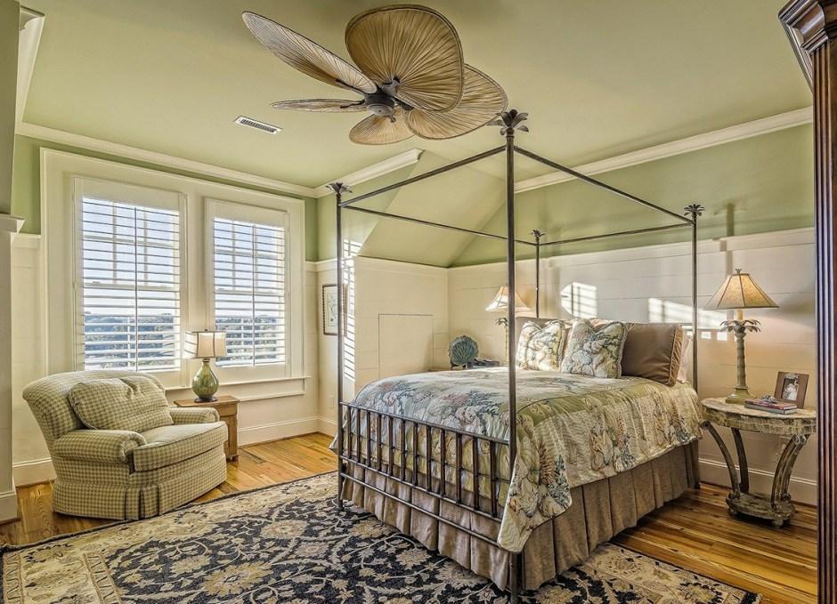 AirBnb bedroom