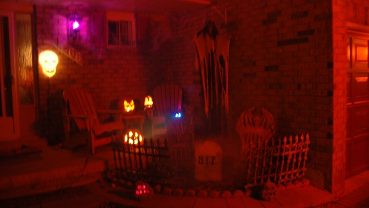 Creating the Perfect Spooky Halloween Scene at Our Home