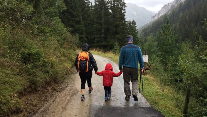 Backpacking Guide for a Family Hike and Trip Outdoors