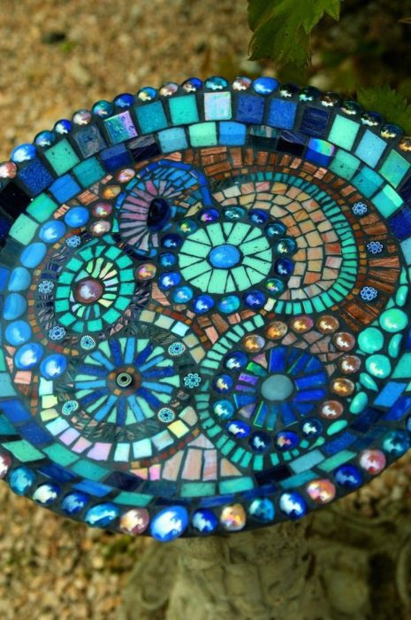 40 DIY Mosaic Design Ideas with Tile, Rocks and Glass