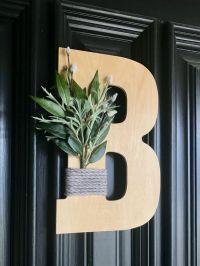 DIY Front door monogram - BigDIYIdeas.com