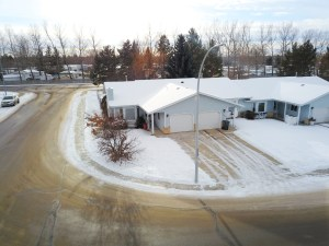 5503 43 Street listed for sale