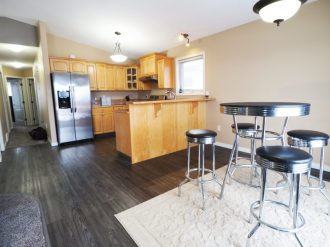 320hunter.kitchen3