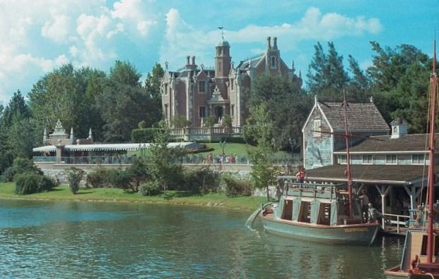 Mike Fink Keel Boats Walt Disney World Opening Day