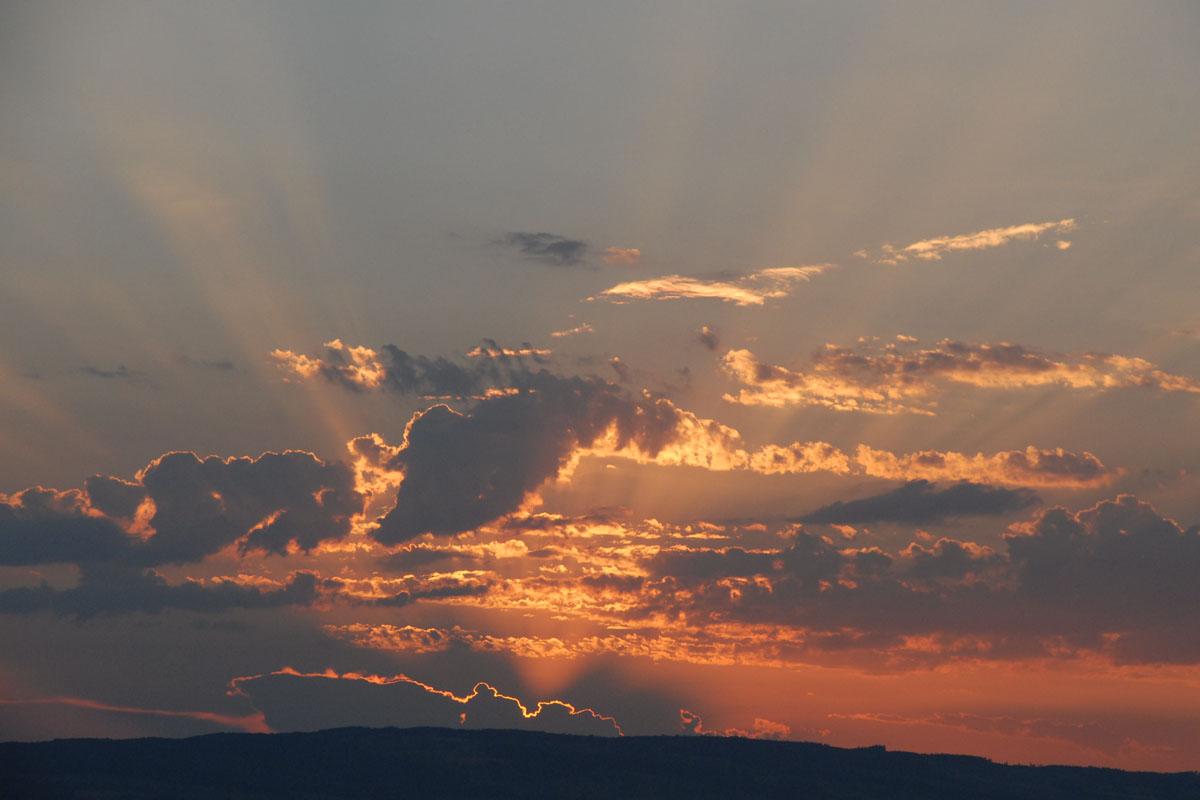 https://i0.wp.com/www.bigfoto.com/sunset-photo.jpg