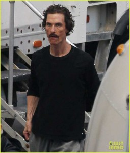 Matthew McConaughey on the Dallas Buyer's Club set