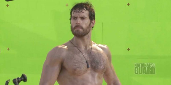 henry-cavill-shirtless-soldier-of-steel