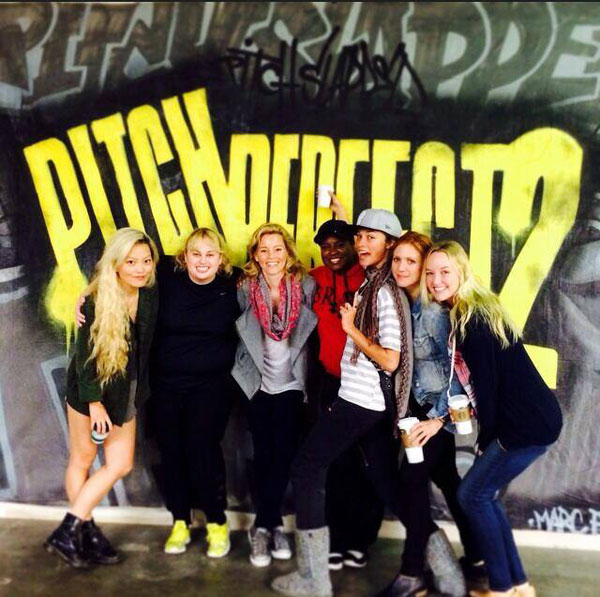 pitch-perfect-2-cast-photo