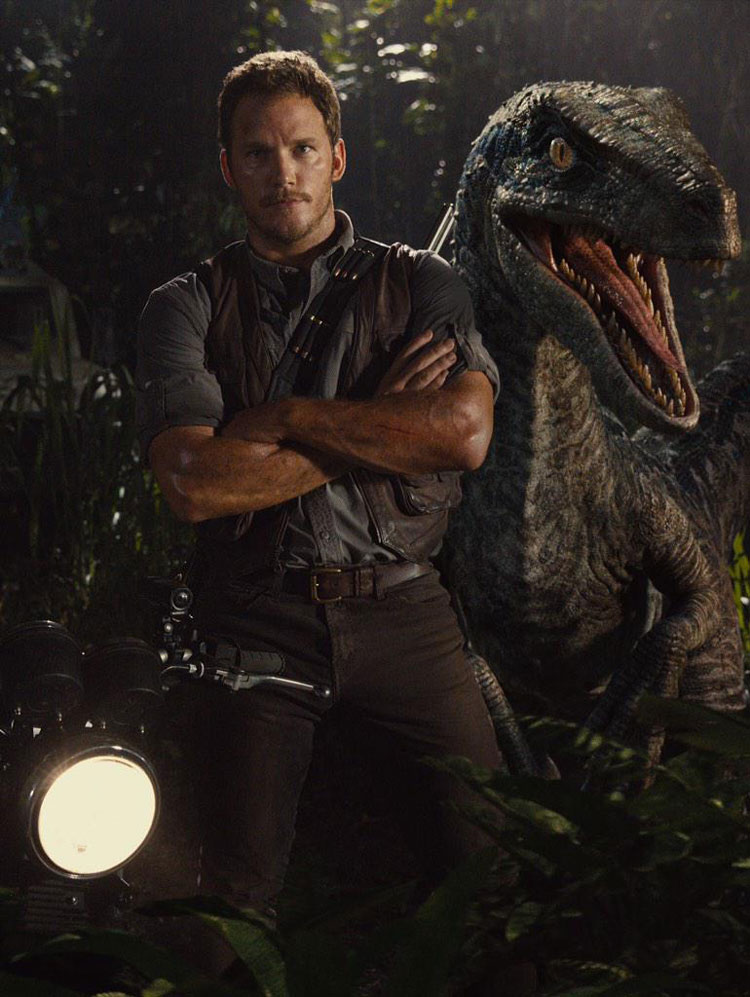Chris Pratt & raptor in Jurassic World