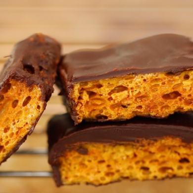 Homemade Honeycomb & Cadbury Crunchie Bars