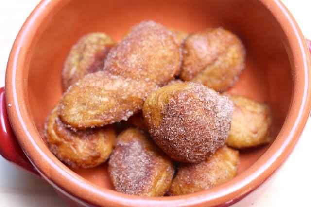 Homemade, No-knead, No-machine, Soft, Pretzels, Cinnamon, Baked, Gemma Stafford, Bigger Bolder Baking, Baking, Baking videos, Recipes, How to make soft pretzels