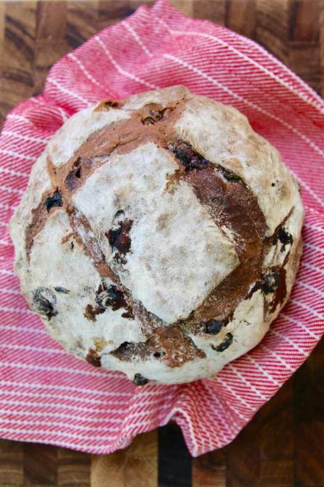 No-Knead Cinnamon Raisin Bread, Cinnamon raisin bread, no knead bread, How to make bread, no knead bread recipe, cinnamon raisin bread, bread recipes, simple bread recipe, easy bread recipe