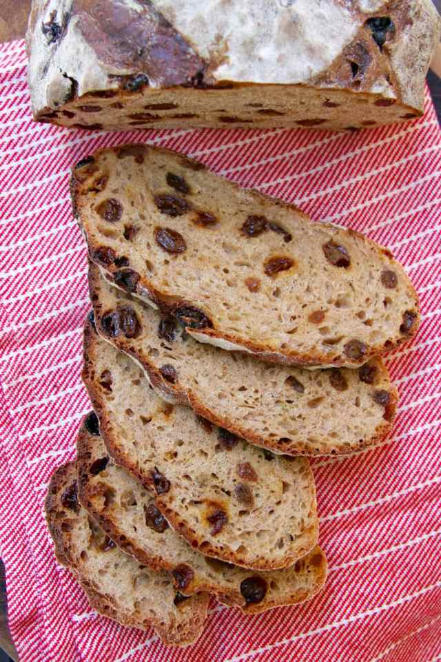 No-Knead Cinnamon Raisin Bread, Cinnamon raisin bread, no knead bread, How to make bread, no knead bread recipe, cinnamon raisin bread, bread recipes, simple bread recipe, easy bread recipe