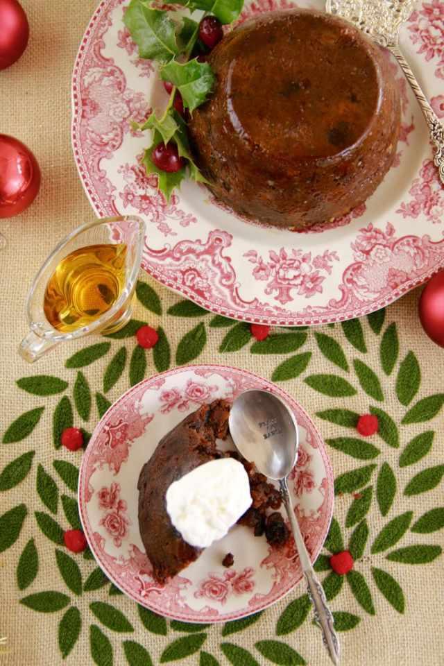 christmas pudding, Traditional christmas pudding, homemade christmas pudding,Gemma stafford, bigger bolder baking, baking, holiday baking, christmas baking, christmas desserts, holidays desserts, baking, bold bakers,
