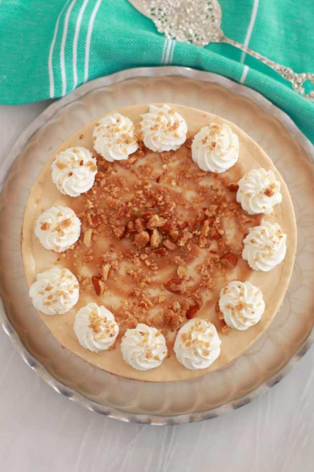 No Bake Dulce de Leche Cheesecake, No Bake Cheesecake, Dulce de Leche Cheesecake Cheesecake recipe, no bake cheesecake, cheesecake recipes, Recipes, receipe, baking recipes, dessert, desserts recipes, desserts, easy desserts, quick easy desserts, simple recipes, best ever desserts, rescipes, how to make, how to bake, Gemma Stafford, Bigger Bolder Baking, bold recipes, bold desserts, quick recipes, How to,