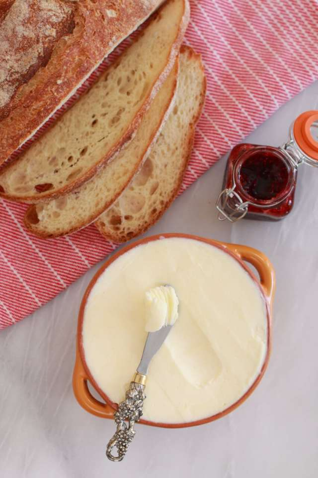 How to make Homemade Butter, How to make Butter, Recipe, Homemade Butter,recipes, DIY Butter, how to videos, how to reicpes, Easy recipes,simple recipes, recieps, baking,