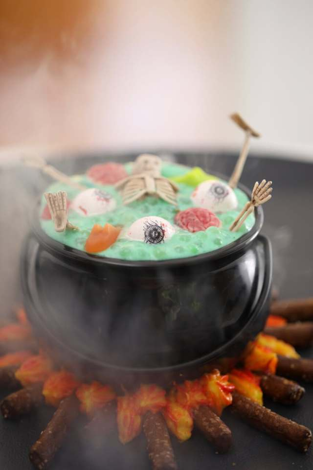 Halloween recipes, halloween treats, Halloween party ideas, halloween desserts, Witche's brew, witch's brew