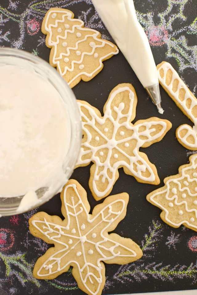 Royal icing recipe, how to make royal icing, diy royal icing, icing recipe, sugar cookie, how to make icing, royal icing, icing for cookies