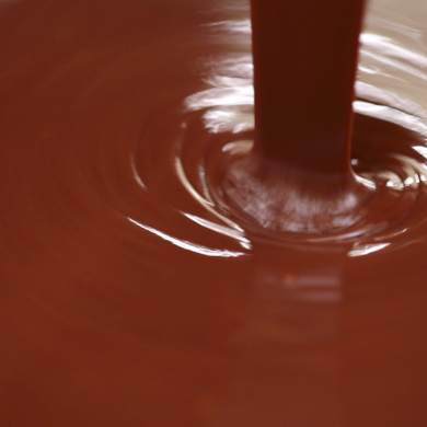 How To Make Chocolate Ganache and 3 Amazing Ways to Use It