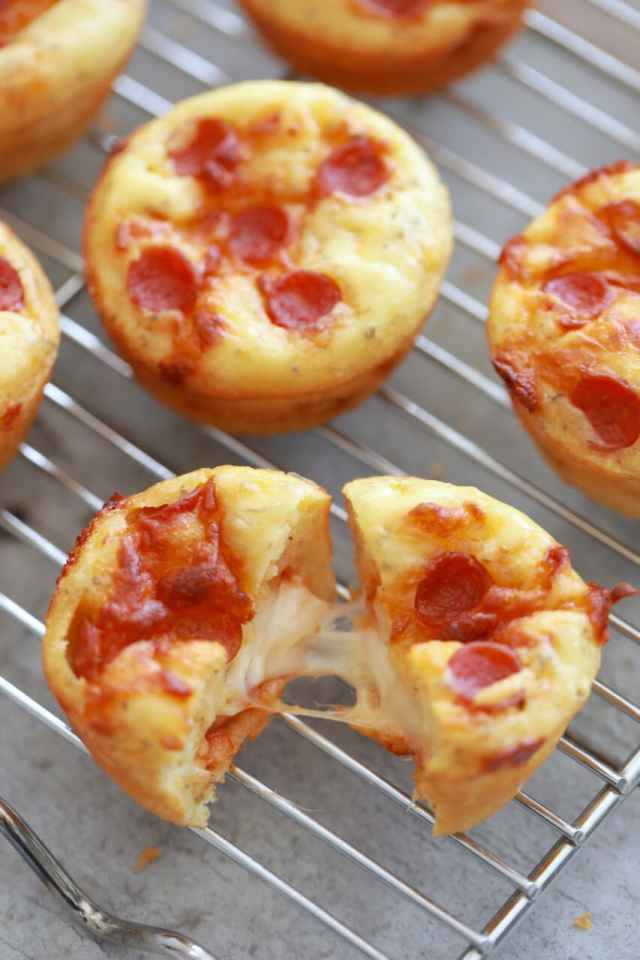 Pizza cupcakes, pizza recipes, how to make pizza , easy pizza recipes,pizza cupcake recipe, savory scones, kids baking recipes, easy child friendly recipes, recipes for sleepovers, fun recipes for kids, pizza