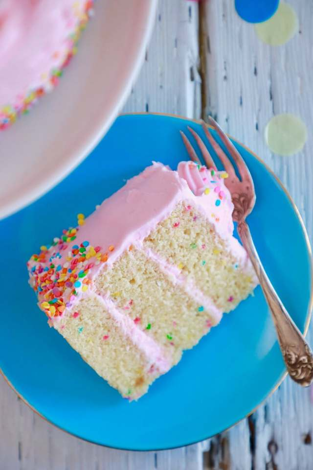 Microwave cake, cake made in the microwave, microwave desserts, mug cakes, cake in a mug, Homemade cake , easy cake recipe, easy desserts , easy dessert recipes, cake recipe, best desserts, best ever desserts, best ever cake recipe, affordable recipes, cheap recipes, cheap desserts, simple recipes, simple desserts, quick recipes, Healthy meals, Healthy recipes, How to make, How to bake, baking recieps, recieps, recipes for kids, baking with kids, baking with children, kid friendly recipes, child friendly recipes,