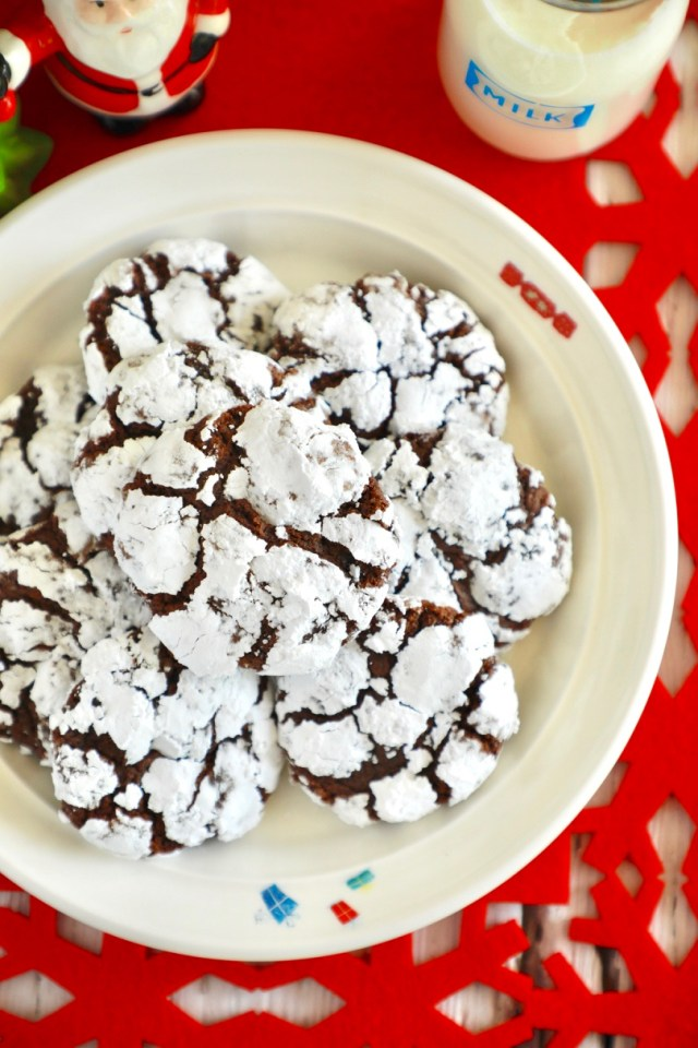 Homemade Chocolate Crinkle Cookies Recipe