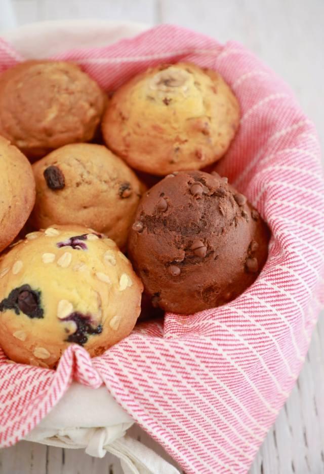 easy muffin recipe, easy desserts , easy healthy snack recipes , muffin recipe, best desserts, best ever desserts, best ever muffin recipe, affordable recipes, cheap recipes, cheap desserts, simple recipes, simple desserts, quick recipes, Healthy meals, Healthy recipes, How to make, How to bake, baking recieps, recipes for kids, baking with kids, baking with children, kid friendly recipes, child friendly recipes, banana nut muffin recipe, chocolate muffin recipe, blueberry muffin recipe, lemon poppy seed recipe