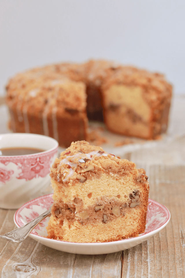 coffee cake, coffee cake recipe, how to make coffee cake, american coffee cake, classic coffee cake, classic coffee cake recipe, tradtional coffee cake, crumb coffee cake, crumb coffee cake recipe,