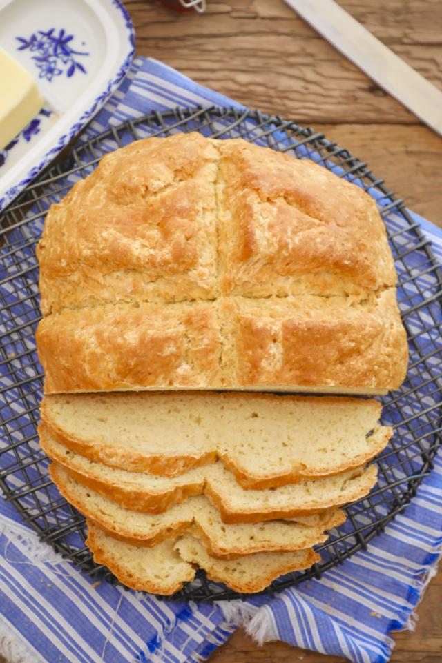 irish soda bread, irish soda bread recipe, white irish soda bread, white irish soda bread recip, soda bread, soda bread recipe, traditional irish bread, irish bread, traditional bread recipe, bread recipe, making soda bread, soda bread help, bigger bolder baking, gemma stafford, st patricks day, st paddys day, irish baking