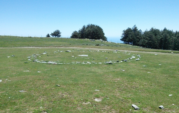 An unusual stone circle, different from the old threshing circles you see a lot of in these mountains