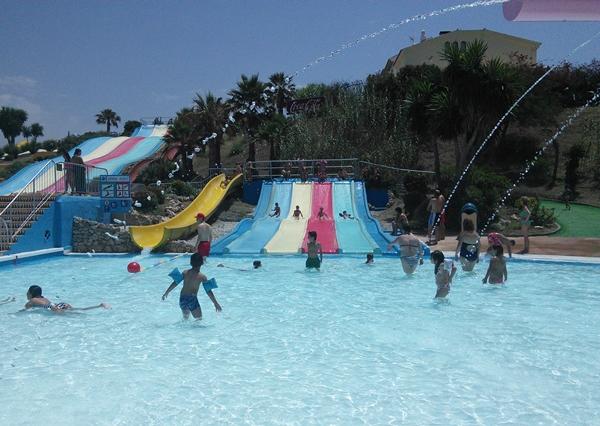 aquavelez-water-slide