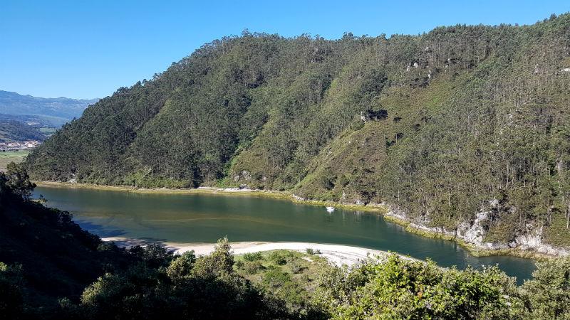camping-las-arenas-pechon-river