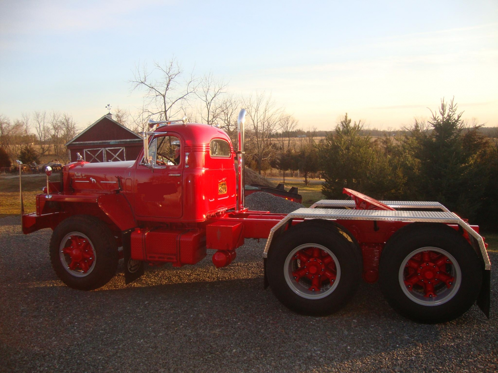 hight resolution of mack b 81 tandem tractor